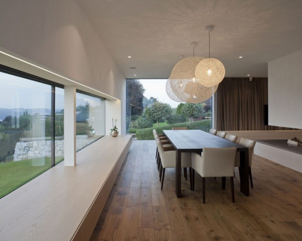 Spacious dining room with contemporary interior
