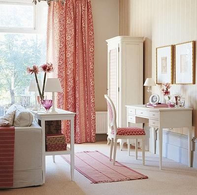 Stunning pink and white romantic room- interior design ideas for own, private, intimate place.
