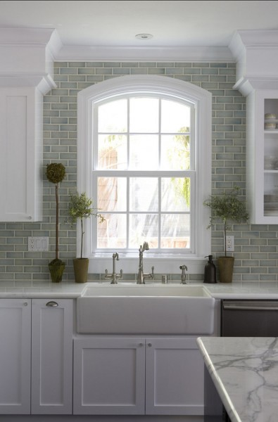 Subway Tile Backsplash for a trendy look-42 Kitchen Interior Design Trends for Traditional Homes