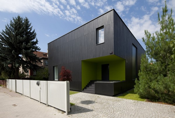 The main entrance-Contemporary House Architecture and Interior Design in Poland
