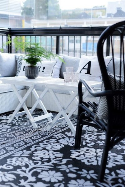 Very clean and stylish Scandinavian balcony-Trendy designs for outdoor home spaces