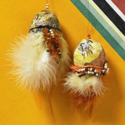 Very interesting fluffy Easter eggs