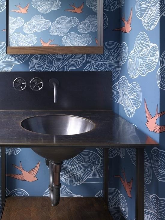 Bathroom decorating with wallpapers in blue color