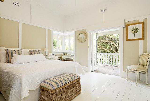 Bedroom in exotic style– fresh summer home emotions