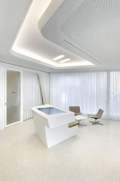 Modern bank interior design raiffeisen in zurich for Modern bank building design