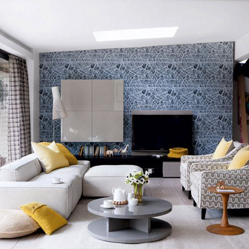 Eclectic living room with acstylish wallpapers-modern interior design trends