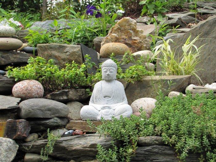 Feng Shui Garden Design Ideas and Tips with Images ...