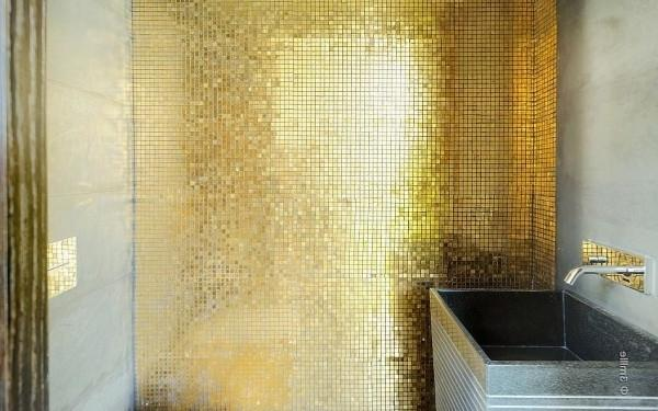 Glamorous bathroom in gold -Minimalist Villa in France