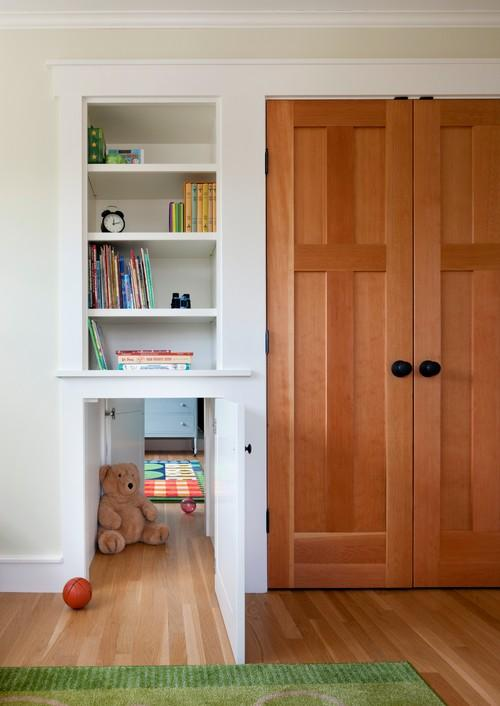 Kids room design with small entrance door and wardrobe