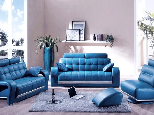 Luxurious and stylish blue leather sofas– for amazing living room interior design