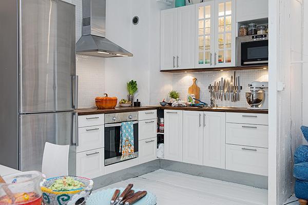 Modern Swedish kitchen design in white- Scandinavian Shabby Chic Apartment Interior in Gothenburg