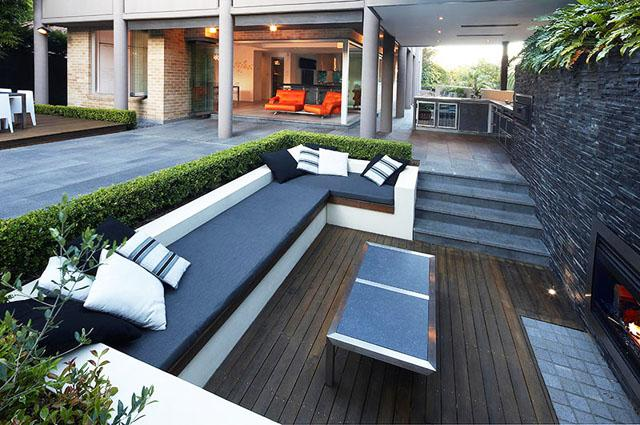 Open plan house expanding towards the outdoor areas- Living Concepts in a Contemporary Home