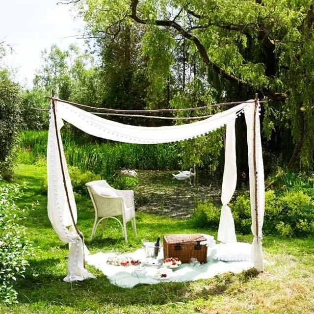 Picnic near the river- Ideas for home outdoor spaces