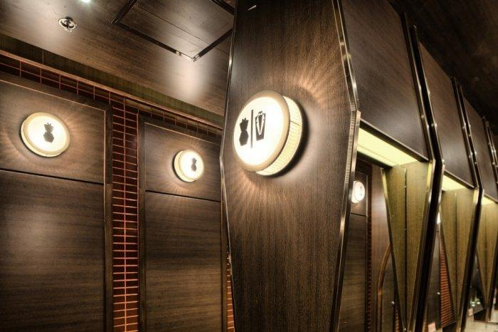 Restaurant architecture - the guiding lights to the toilets