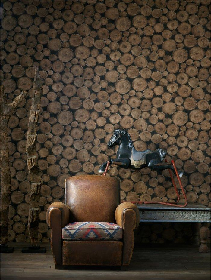 Rustic leather chair with textile seat– worn-out effects on furniture