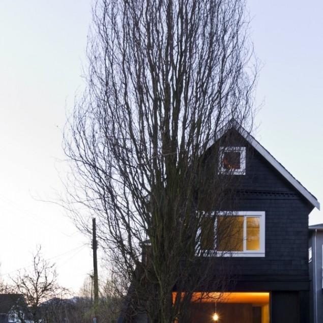 Small Minimalist House Interior Design in Canada