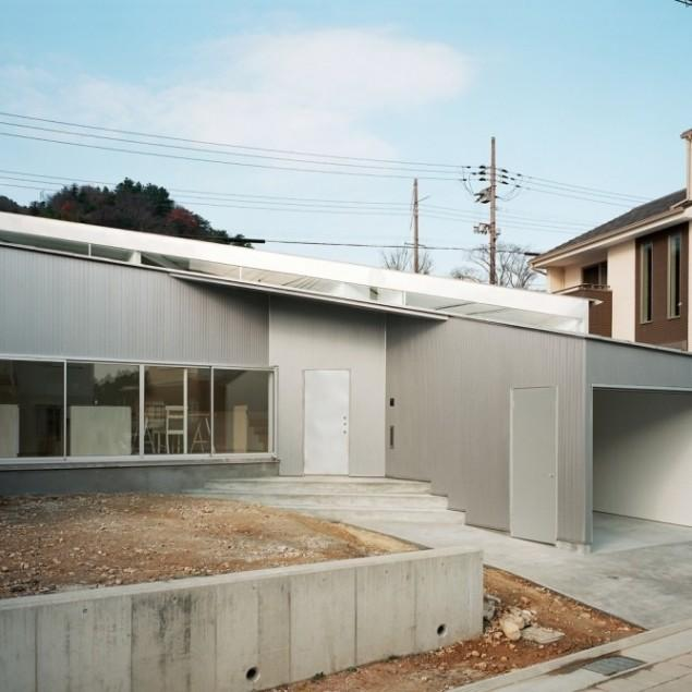 Small Minimalist House Architecture by Alphaville Architects