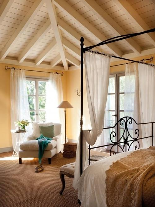Summer Villa - Bedroom in traditional design in creme colors
