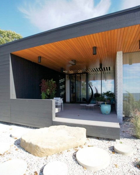 The front porch- Modern Seaside House by Gray Organschi Architecture