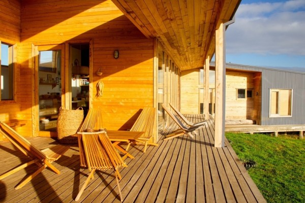 The front porch and wooden deck-modern architecture residential design