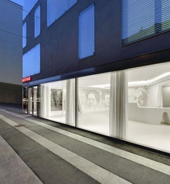 The_glass_facade_of_the_bank-Modern Bank Interior Design - Raiffeisen in Zurich