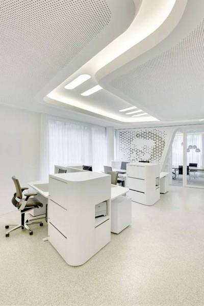 The_stylish_and_contemporary_working_desks-Modern Bank Interior Design - Raiffeisen in Zurich