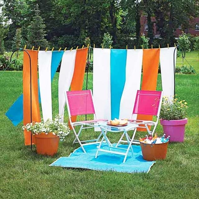 Two chairs and a small table- Ideas for home outdoor spaces