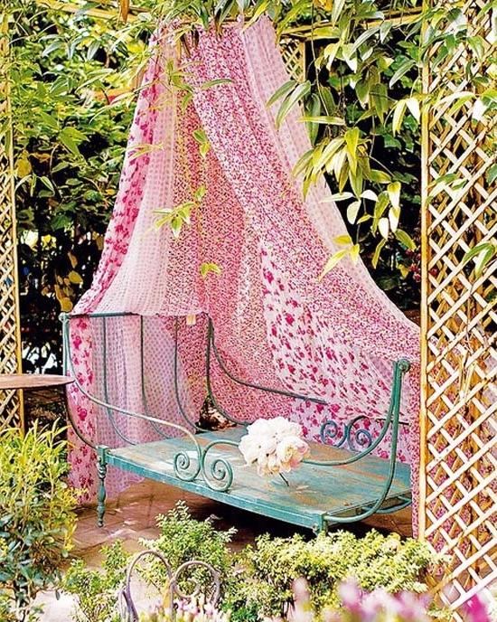 Vintage accents bring creativity- Ideas for home outdoor spaces