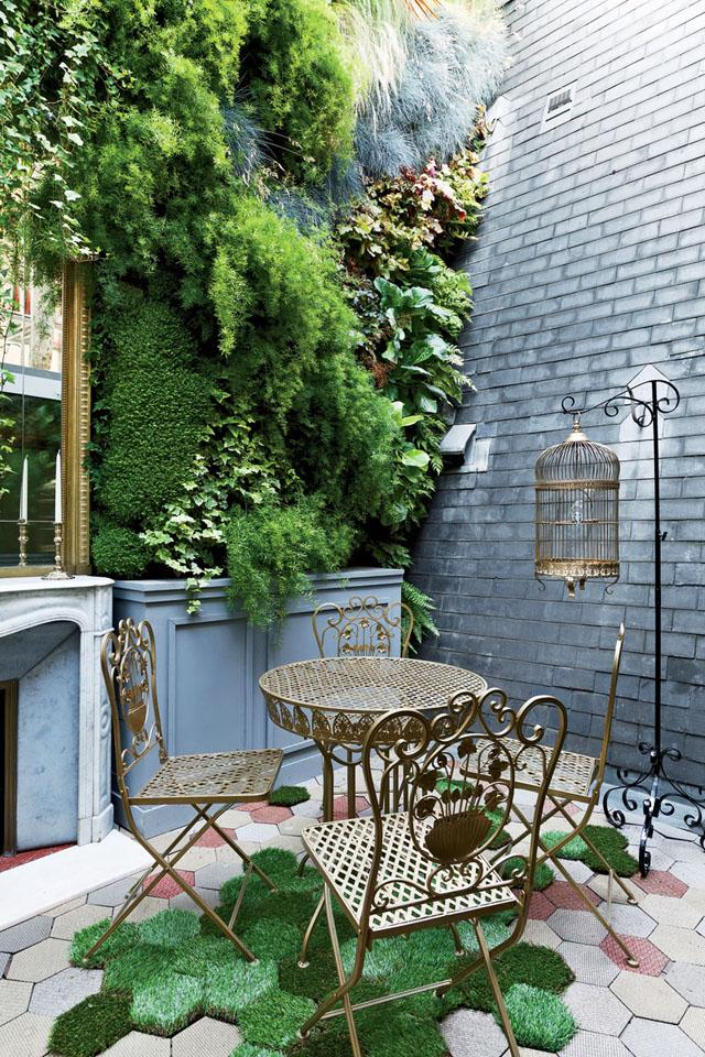 Wrought iron patio table and chairs- Apartment Interior Design in Paris