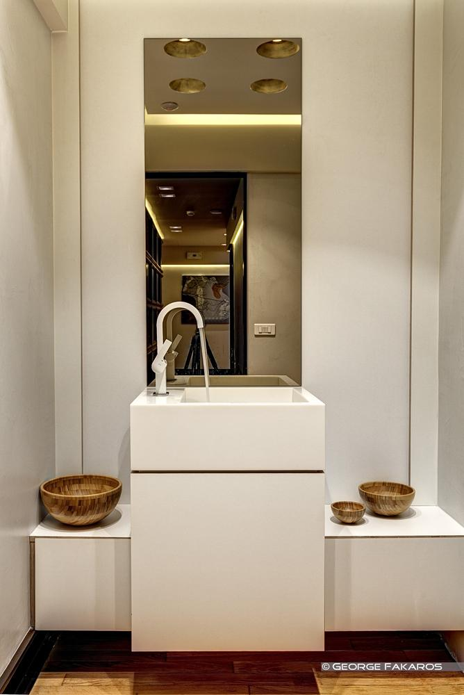 bathroom inside the minimalist beauty center