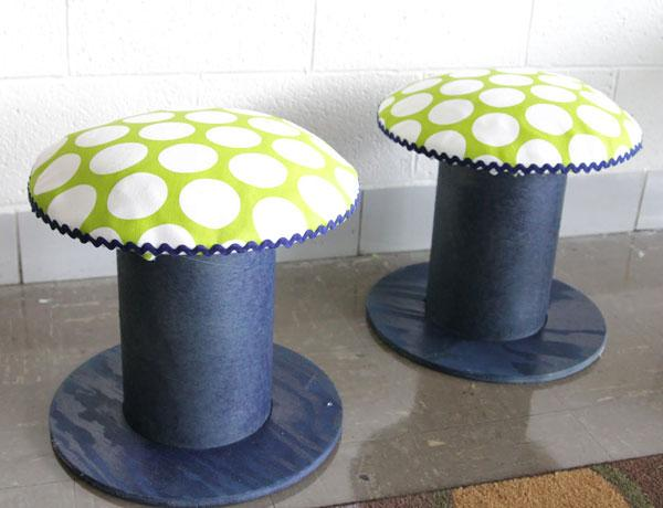 Stool with white dotted seat - great home DIY ideas