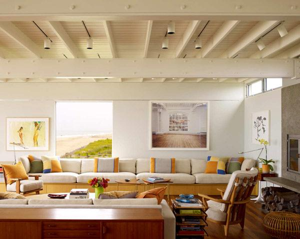 Beach house and its bright colorful decorative accents in the interior