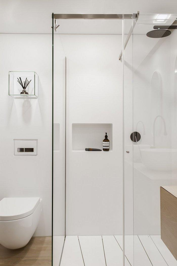 Conemporary bathroom with minimalist shower cabin