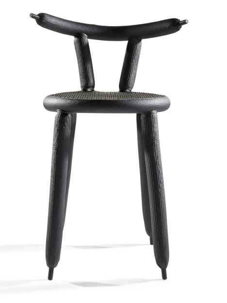 Creative Chair in black with small rounded seat