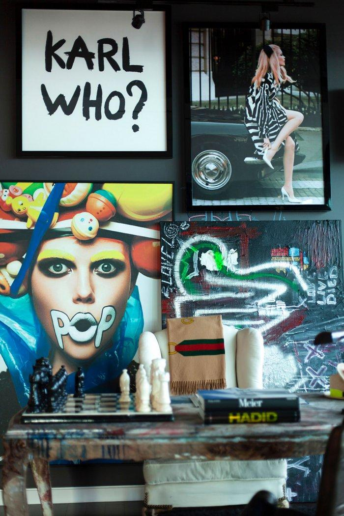 Eclectic wall art that decorate the luxurious apartment
