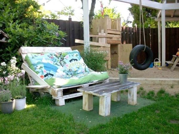 Pallet furniture used for lounge chair and table