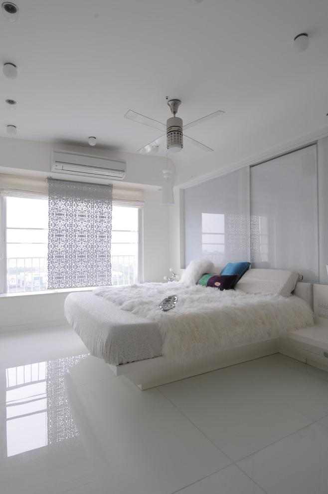 White bedroom in simple, elegant and luxurious design