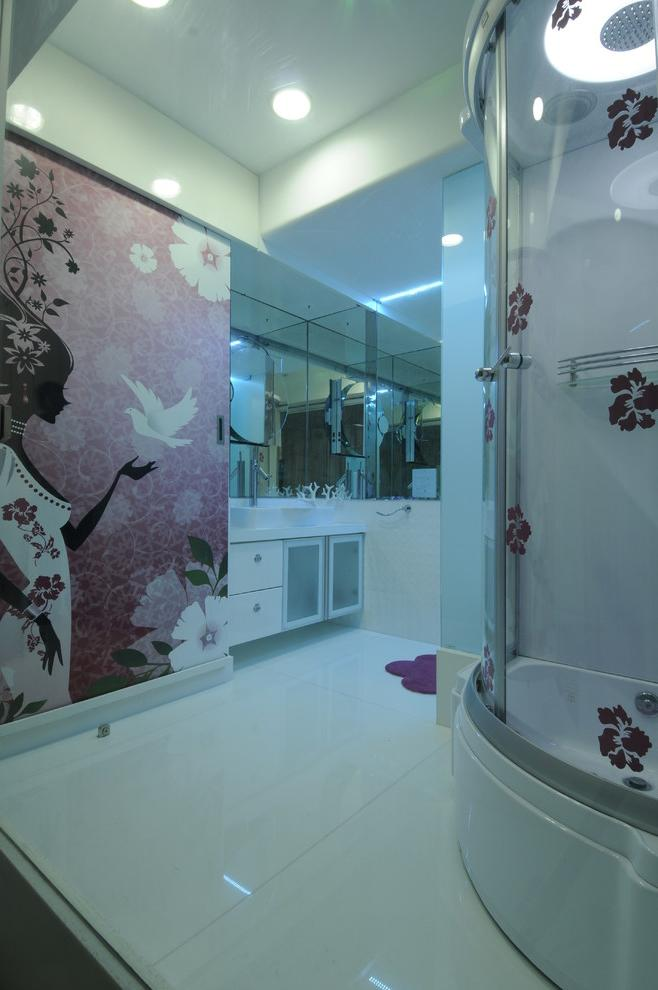 Woman bathroom with feminine wallpapers and white floor
