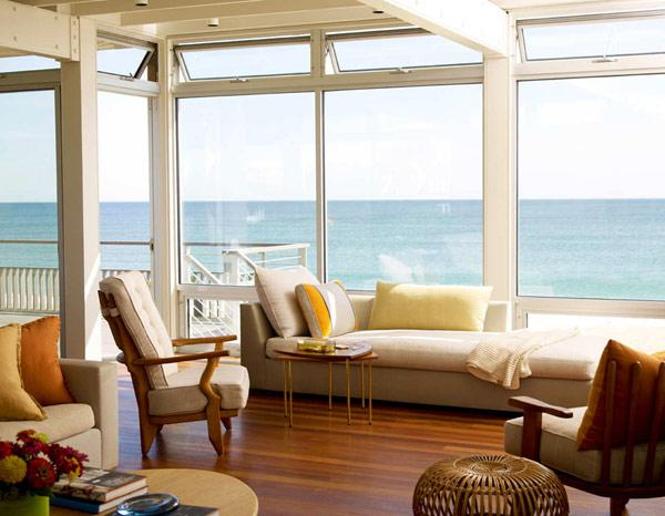 Beach House with Impressive Decorative Elements