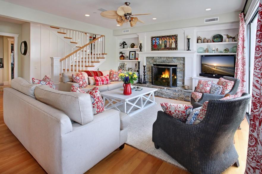 Coastal House in California with Traditional Interior