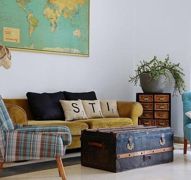 Vintage Interior Charm with Recycled Decor in a Home in Israel