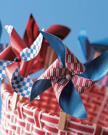 Clothespin Pinwheel can make great decoration on the table if placed as table centerpiece