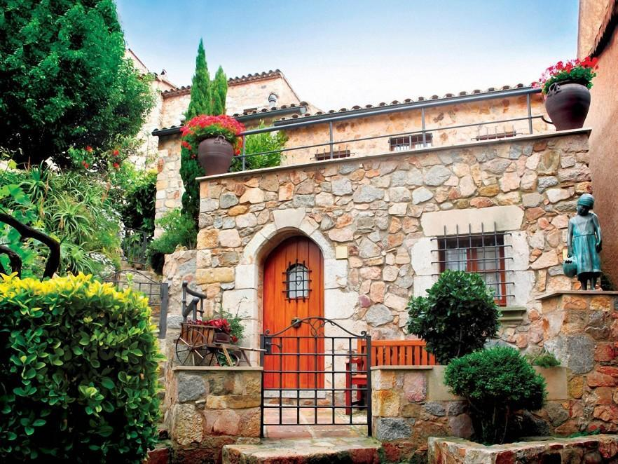 Landscape Design Ideas - The Mediterranean Garden