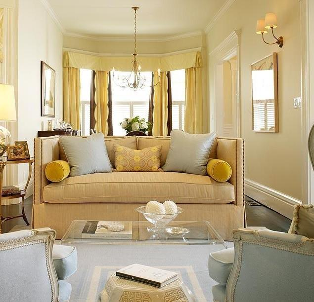 traditional-living-room-interior