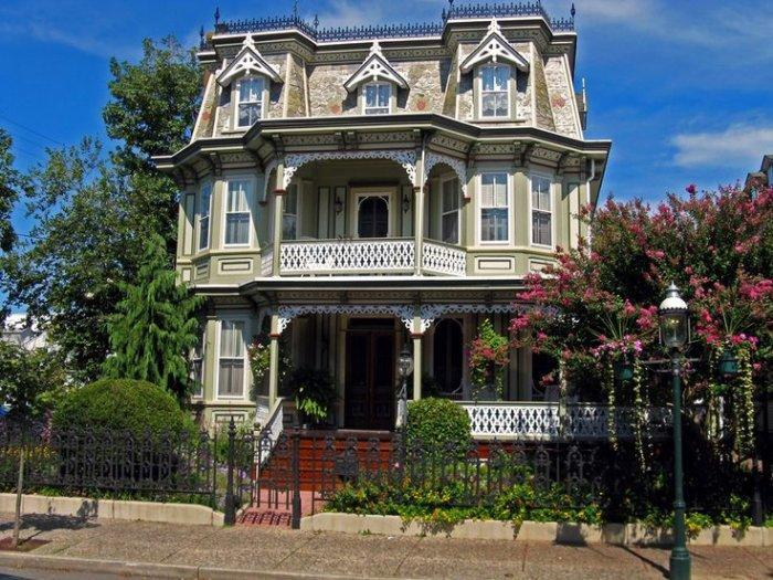 Authentic Victorian home with three storeys
