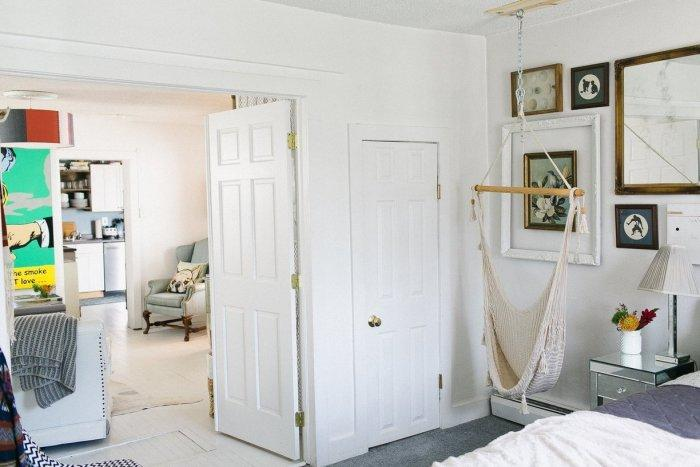 Beach house in white with welcoming and cozy interior