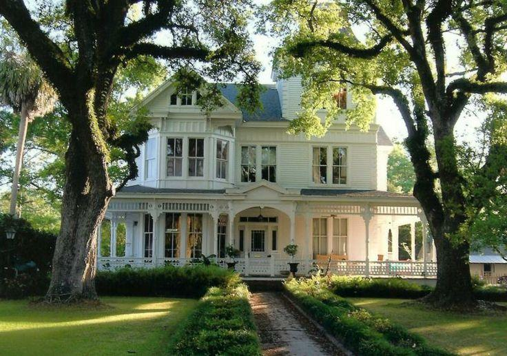 Victorian house images old vintage traditional etc for Victoria magazine low country style