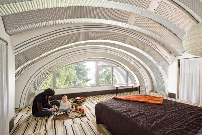 Superb Master Bedroom With Arched Ceiling And Window