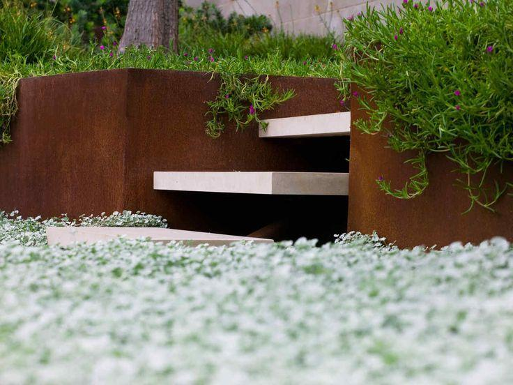 Minimalist garden design with clean steps founterior for Minimalist landscape design
