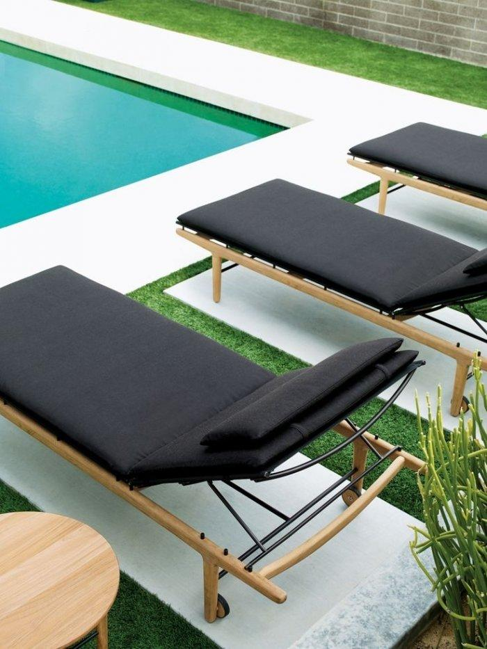 Modern lounge chairs with black soft base